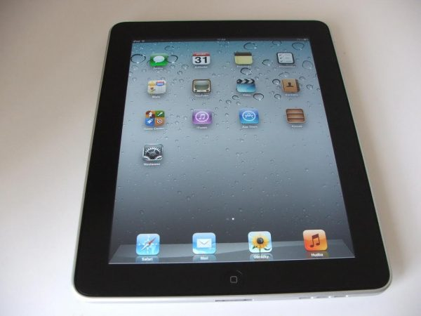 Apple iPad 16GB Wi-Fi black